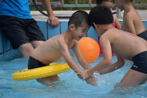 Caleb swimming Aug 2015